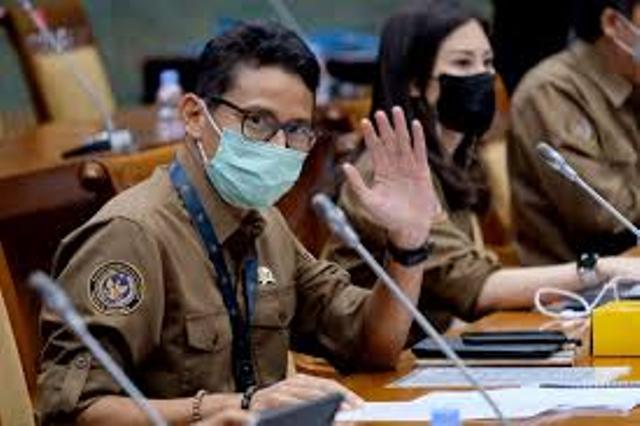 Sandiaga Uno Upayakan Pariwisata Kepulauan Riau Terhubung dengan Singapura, Ini Upayanya...