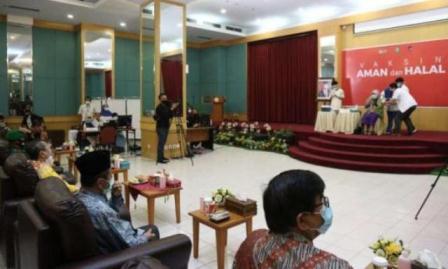 Usai Sembuh dari Covid-19, Gubernur Riau Muncul di Publik, Ini Acaranya...