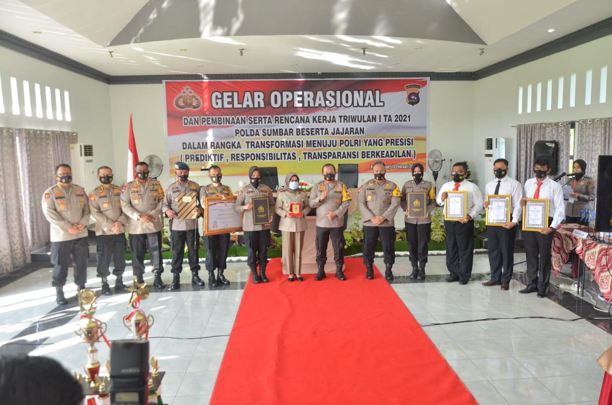 GO Bulanan, Kapolda Sumbar Berikan Reward kepada Polres dan Personel yang Berprestasi