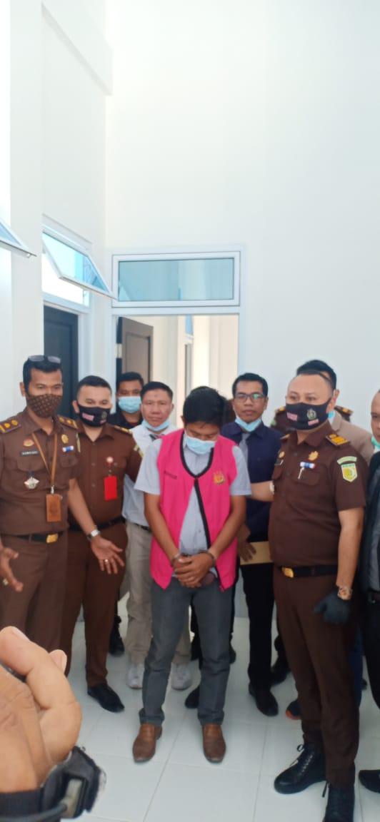 Kejari Lakukan Penahan Terhadap AF Terkait Tipikor BUMD PD Tuah Sekata Pelalawan