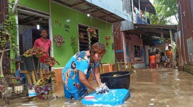 Banjir di Medan Maimoon Belum Surut, Warga Takut Buaya Masuk Rumah