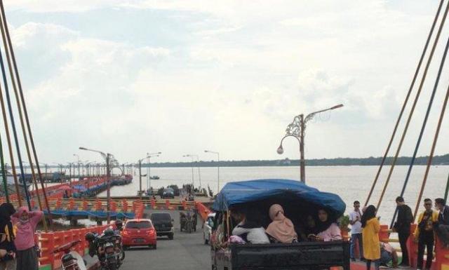 Di Akhir Libur Tahun Baru Pengunjung Padati Kawasan Wisata WFC Kuala Tungkal