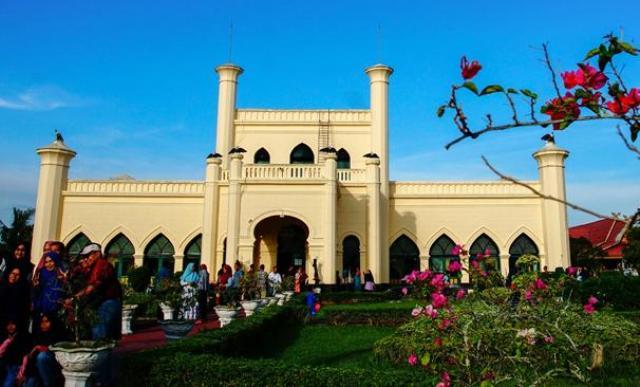 Senin Ini Objek Wisata Istana Siak di Riau Buka