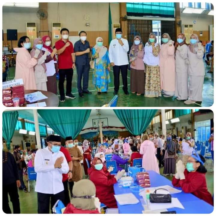Tinjau Pelaksanaan Vaksinasi Covid-19 di Kampung Pondok, Plt Wako Padang Apresiasi Antusias Warga