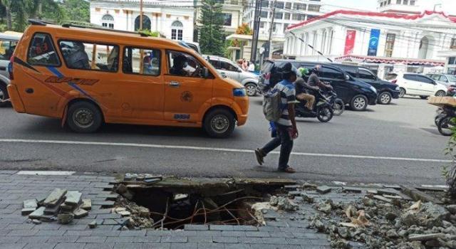 Pemko Medan Pasang Manhole di Kawasan Kota, Pengamat Perkotaan: Perlu 'Police Line'