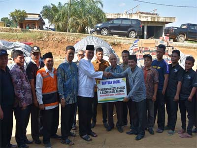Wako Padang Serahkan Bantuan Untuk Korban Gempa Bumi di Solok Selatan