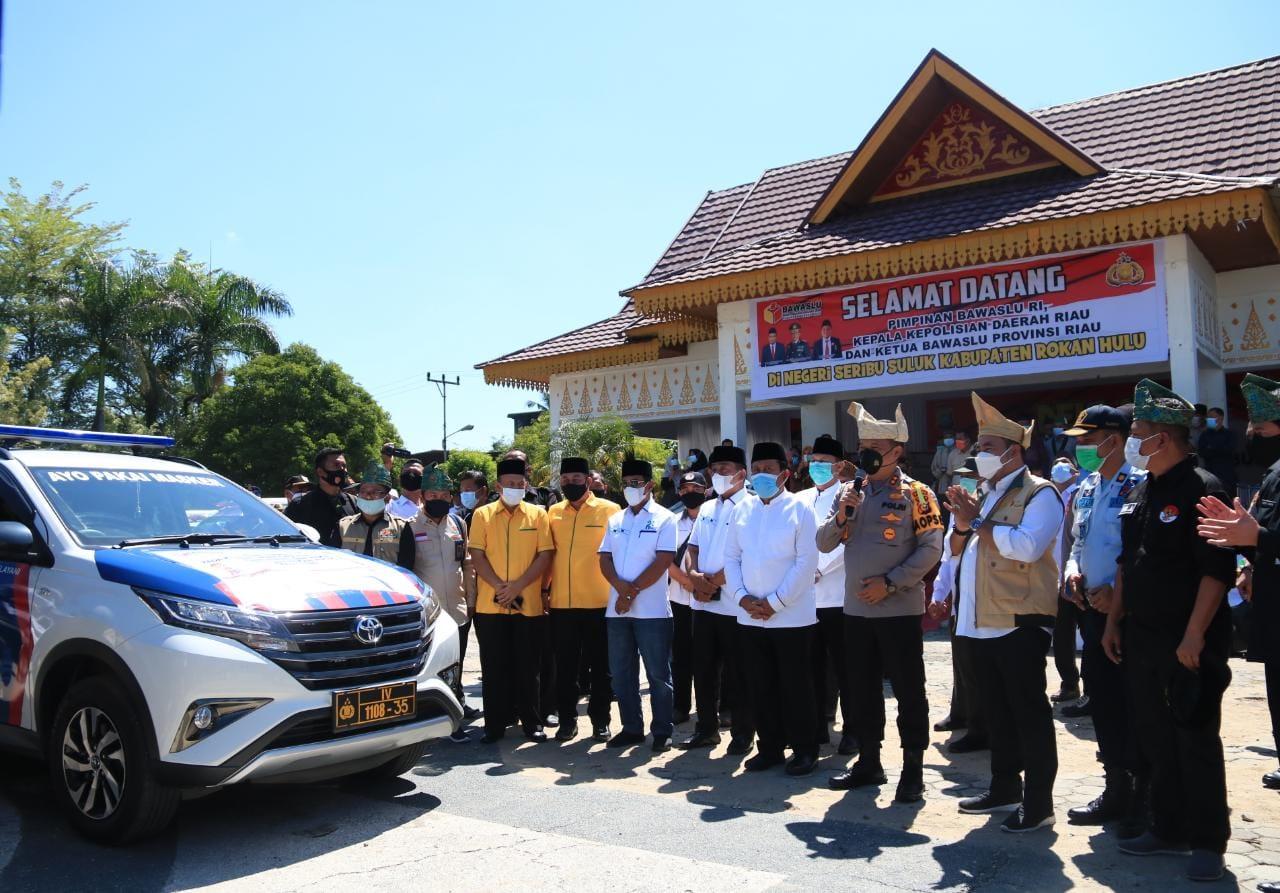 Kapolda Riau Bersama Bawaslu RI Lepas Mobil Patroli Pengawasan Anti Money Politik
