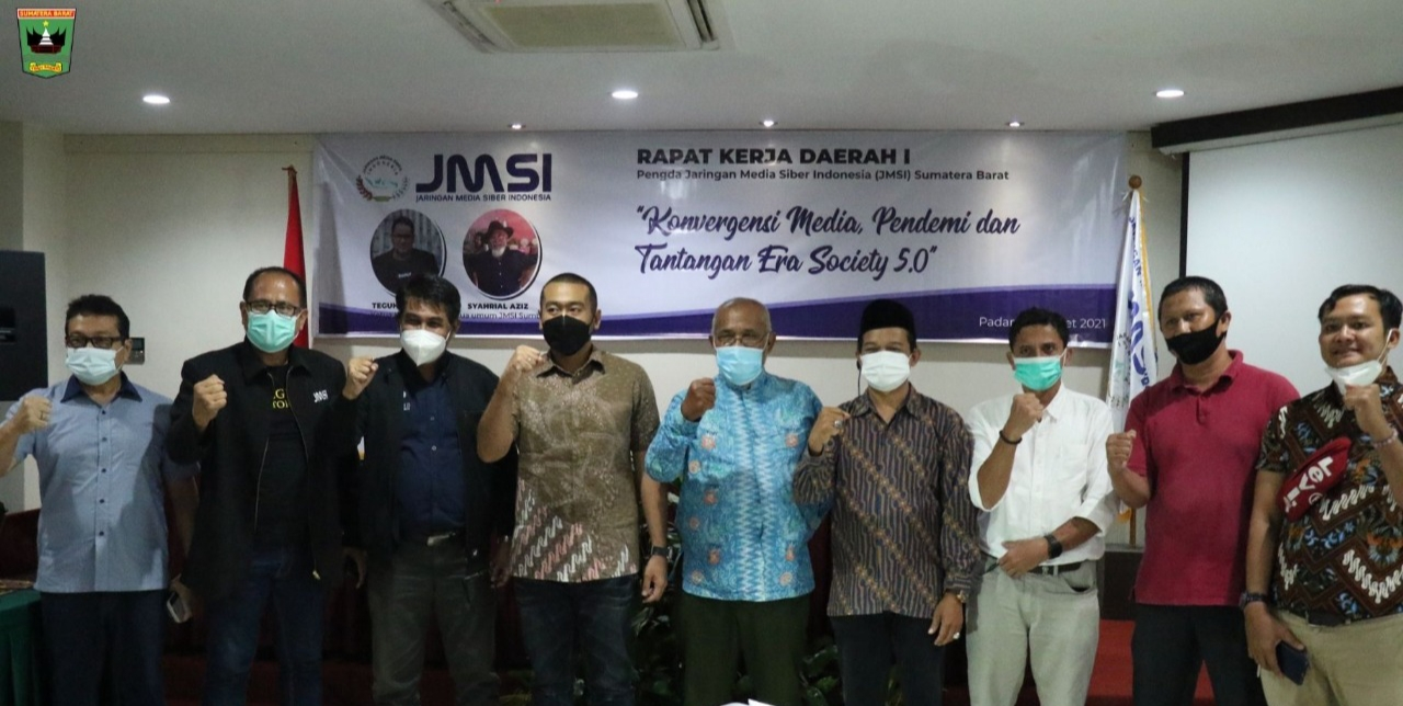 Buka Rakerda JMSI Sumbar, Wagub : Peran Media Digital Sangat Penting untuk Edukasi Vaksin