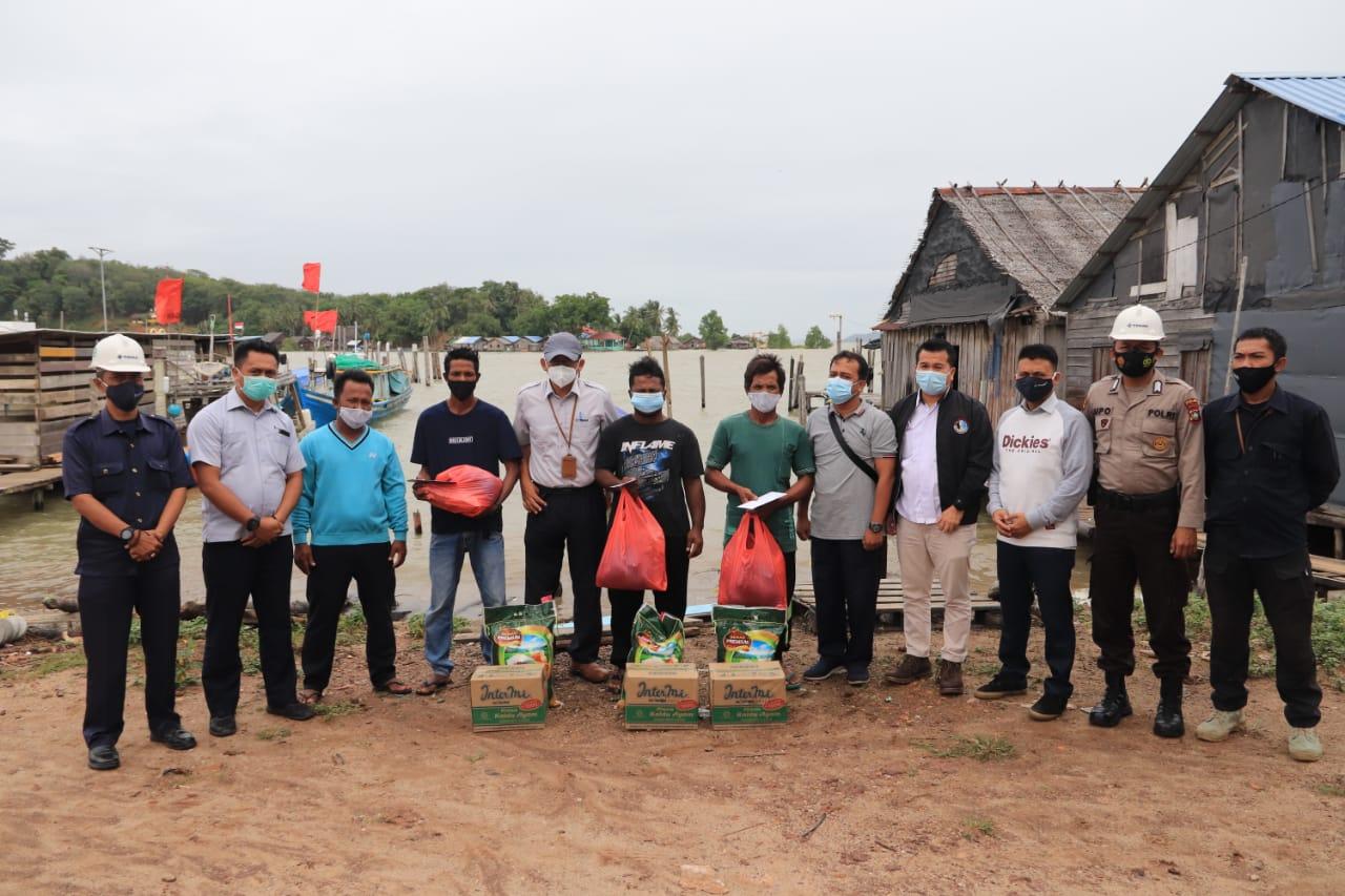PT Timah Bantu Evakuasi Tiga Nelayan Stunak Dipulau Lalang Serta Salurkan Bantuan