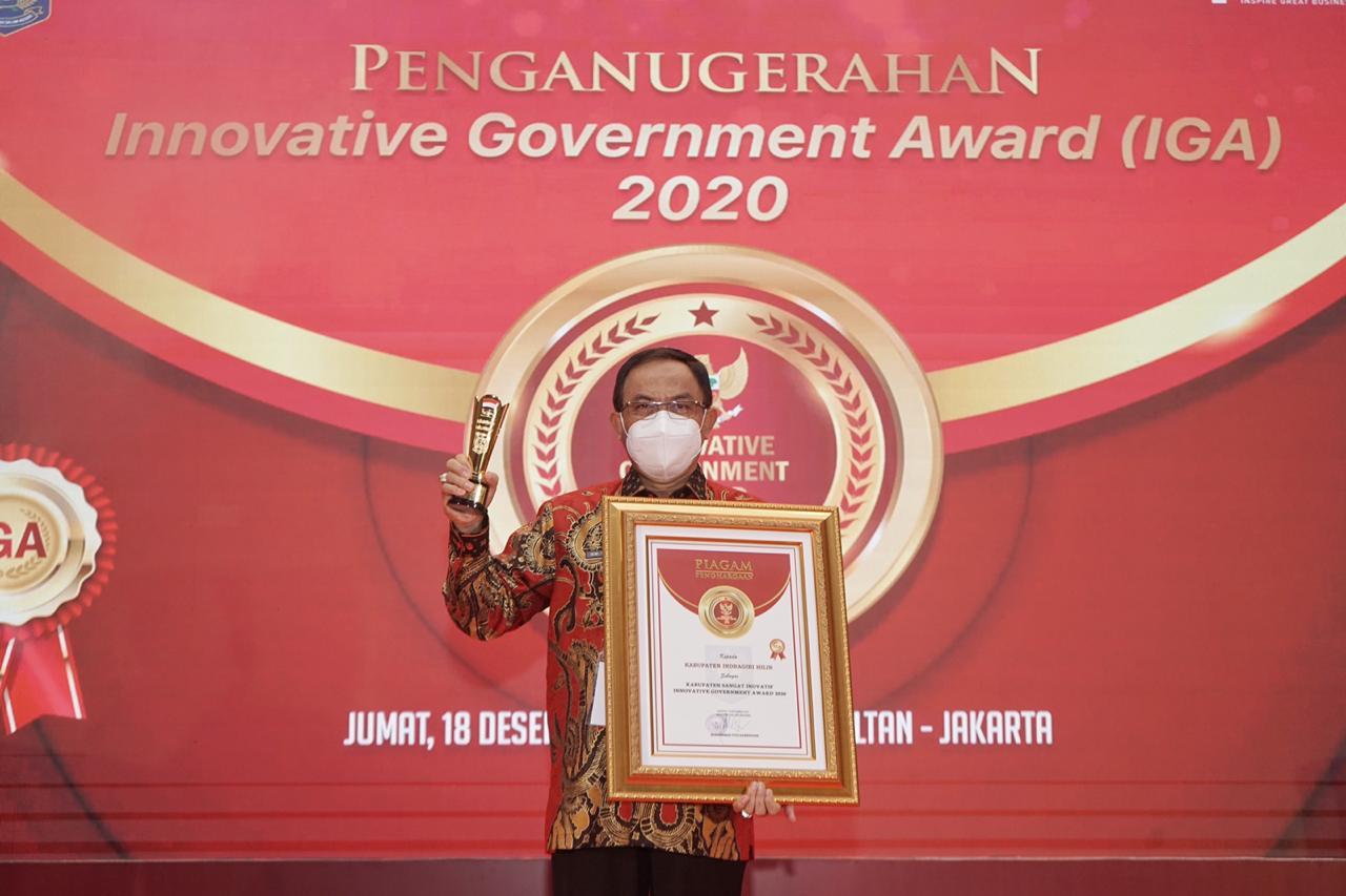 Bupati Inhil Terima Penghargaan IGA 2020 Sebagai Kabupaten sangat Inovative di Indonesia