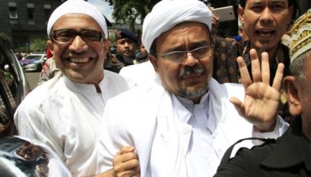 Soal Petisi Cabut Kewarganegaraan Rizieq Shihab, FPI Sebut: Biar Ajalah