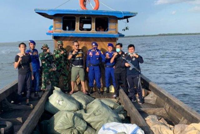 Bea Cukai Gagalkan Penyelundupan 105 Karung Baju dan Sepatu Asal Malaysia