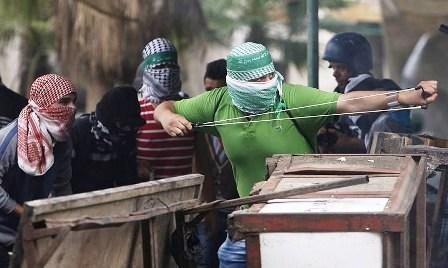 Warga Terkejut, Militer Israel Robohkan Rumah dan Masjid di kota Hebron