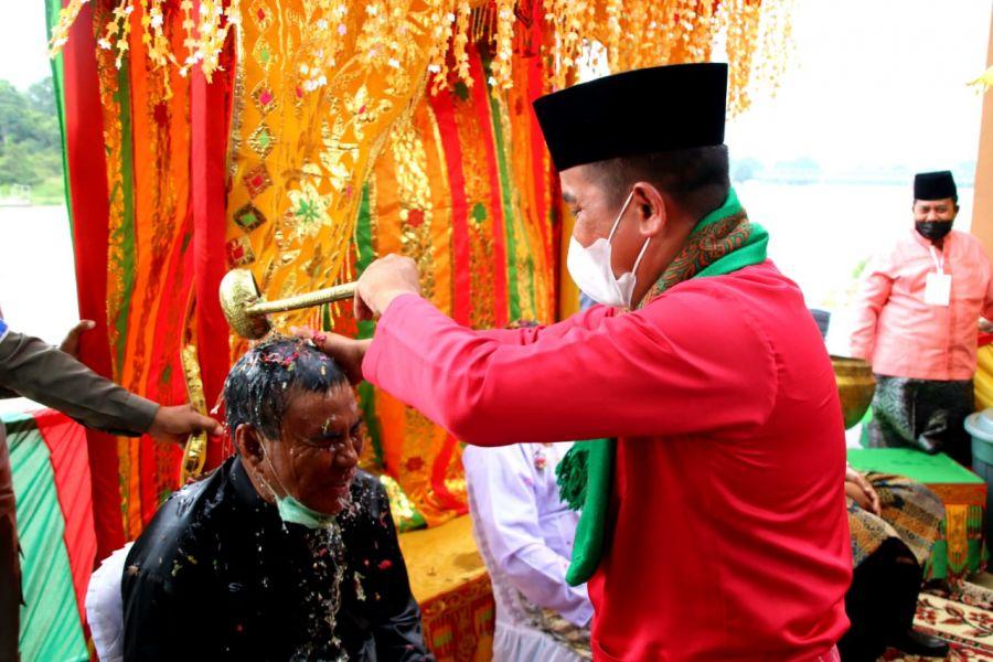 Bupati Pelalawan Terpilih H.Zukri Janji Tradisi Adat Mandi Balimau Kasai