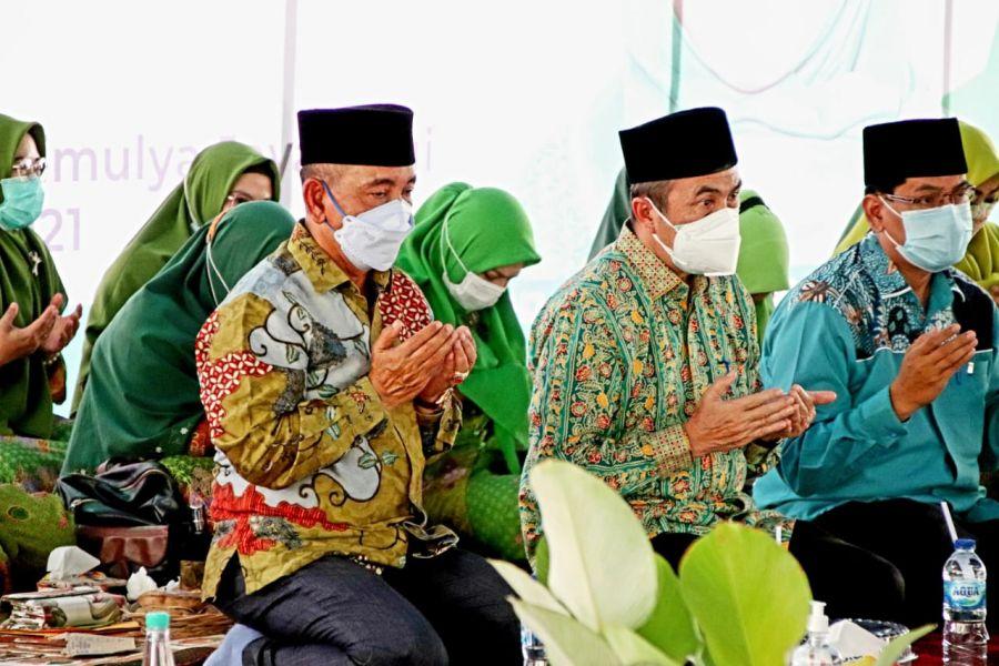 Hadiri Harlah Muslimat NU Ke-75 , Bupati Harris Mohon Pamit