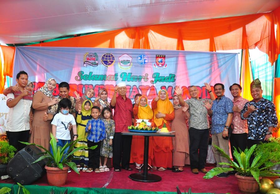 Syukuran Hari Jadi ke-6, PT Barumun Jaya Mandiri Tour & Travel Pekanbaru Santuni Anak Yatim