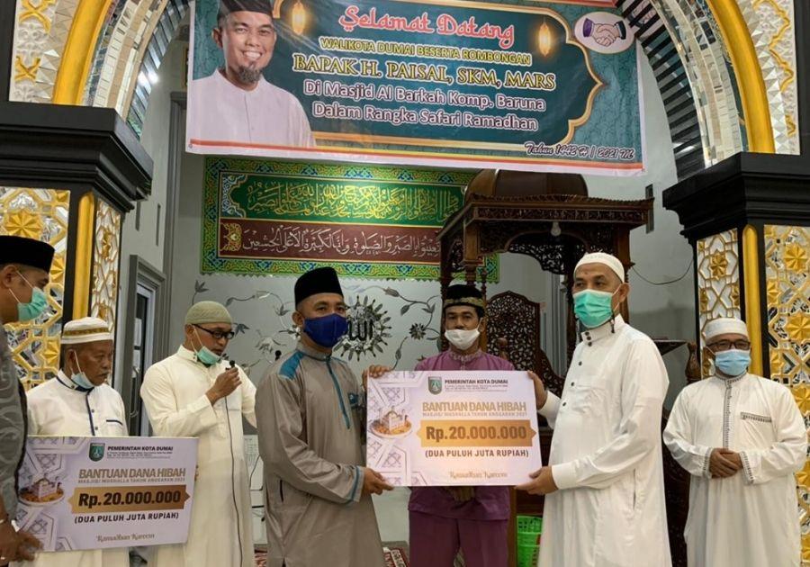 Wako Dumai Safari Ramadhan Perdana, Serahkan Bantuan Masjid dan Mushalla