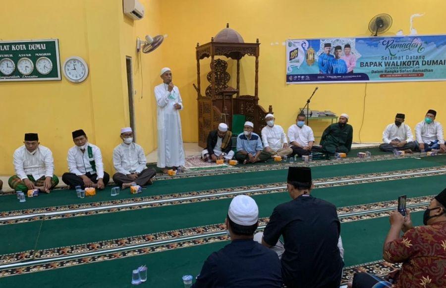Wako Dumai Safari Ramdhan 1442H Kedua di Masjid Al A'Raaf dan Serahkan Bantuan