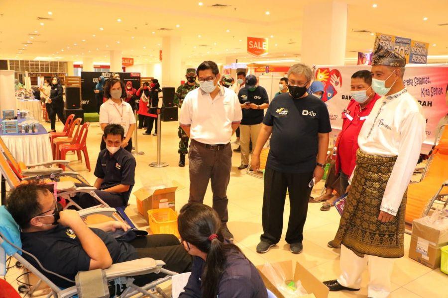 Wawako Apresiasi Donor Darah DJP Riau dan Relawan Covid