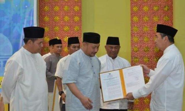 Gubernur Serahkan SK ke Bupati Kampar Sebagai Tuan Rumah MTQ ke-38 Tingkat Provinsi Riau