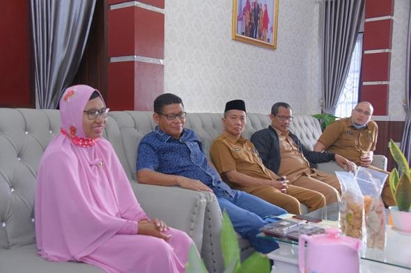 Galeri Wakil Ketua DPRD Bengkalis Sofyan Undang Pengusaha Peraih Penghargaan dari Presiden Jokowi
