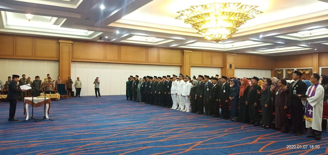 Bupati Rohul,  Lantik 251 Eselon II, III Dan IV Di Convention Hall Masjid Agung Islamic Center