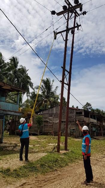 Banjir Surut, PLN Nyalakan Kembali Listrik di Kampar Kiri Hulu
