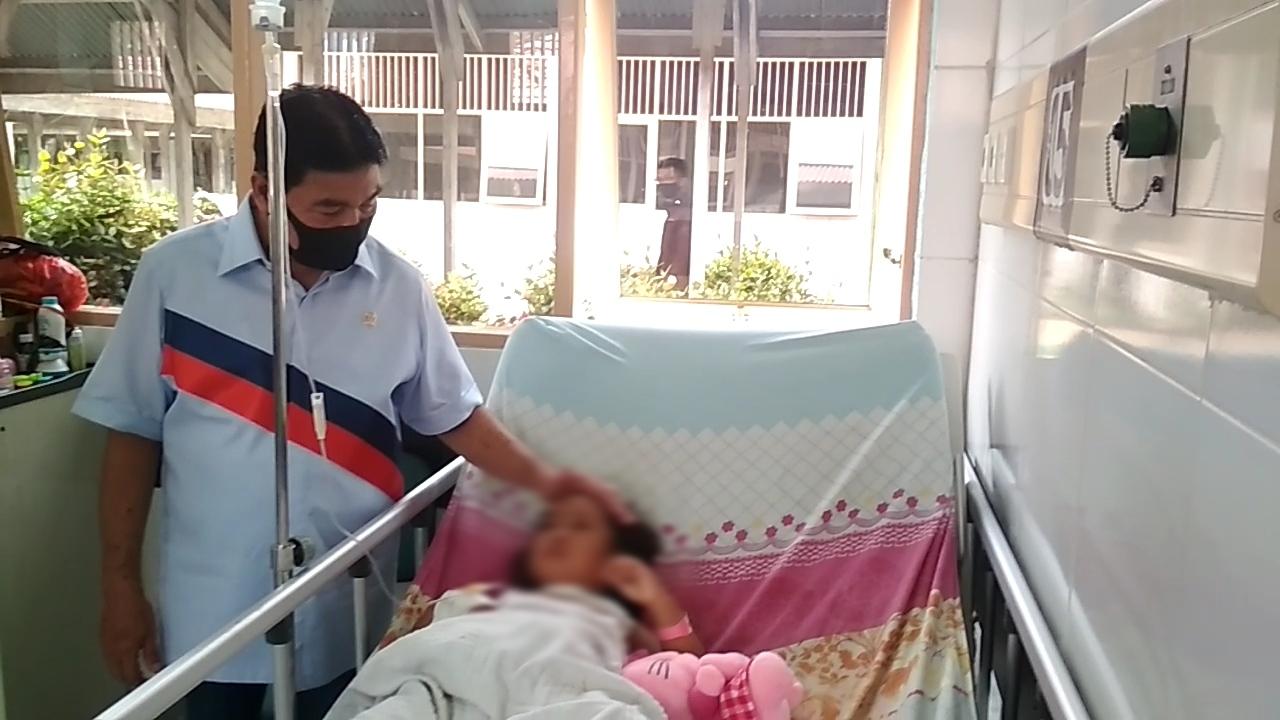 Besuk Korban Penganiayaan, Drs. H. Achmad, Msi Anggota DPR RI Pinta Pemda Turun Tangan Dalam Menyele