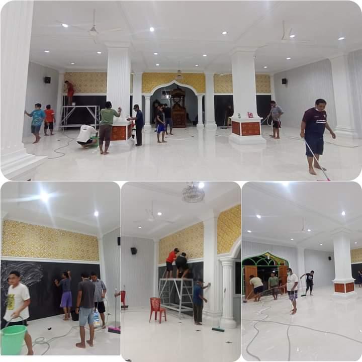 Waspada Virus Corona, Jamaah Masjid Luhur Haji Dasiran Bersama Pengurus LDII Cuci Masjid Luar Dalam