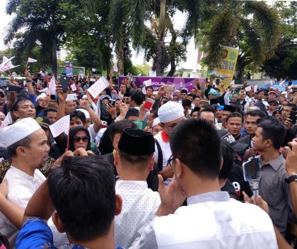 Ribuan Massa #2019Ganti Presiden di Pekanbaru Longmarch Menuju Polda Riau