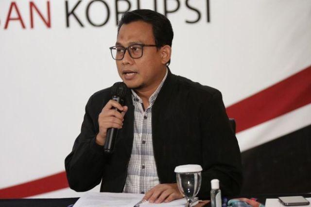 Akhmat Suyuti Kembalikan Uang Pemberian Terduga Korupsi Bansos-19