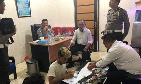 Polisi Lalulintas Tangkap Pelawan Arus Jalan, Ternyata Bawa 889 Ekstasi