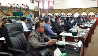 Rapat paripurna Masa Sidang II dipimpin Wakil Ketua DPRD Padang Arnedi Yarmen