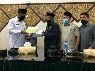 DPRD Kota Padang Laksanakan Sidang Paripurna yang Mengagendakan Raperda Walikota Padang