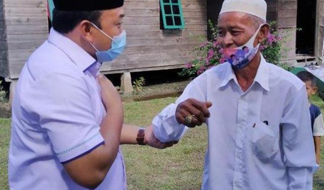 Calon Bupati Siak Kampanye di Rumah Panggung Milik Teman Dekat Bapaknya