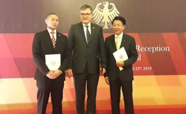 Dubes Tunjuk Christopher Tjokrosetio Konsul Kehormatan Jerman di Surabaya
