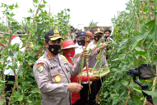Kabaharkam Polri, Komjen Agus Andrianto Apresiasi Keberhasilan Program Jaga Kampung Polda Riau