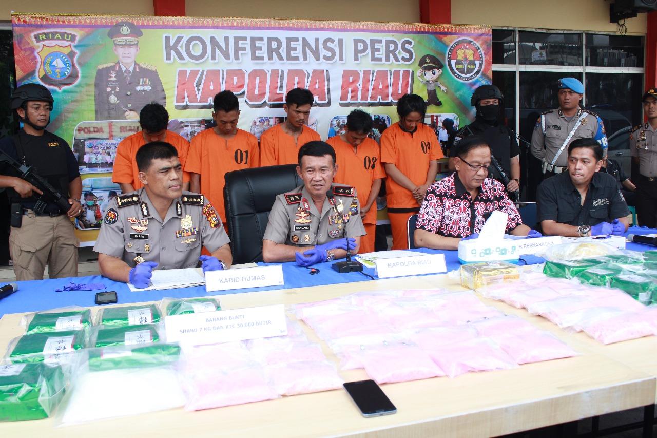Polda Riau Gagalkan Peredaran Narkoba Senilai 45 Miliar Rupiah