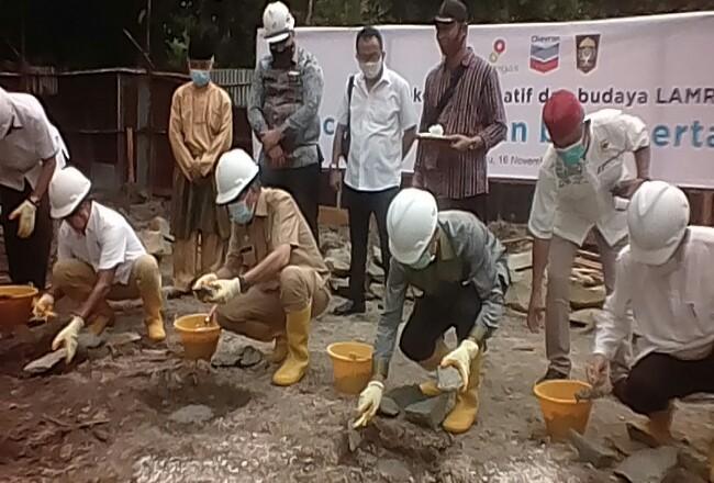 Gubri Lakukan Peletakan Batu Pertama Sentra Ekonomi Kreatif dan Budaya LAM Riau