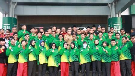 Gubernur Riau Lepas Kontingen Tapak Suci ke Solo, Target Juara Umum III