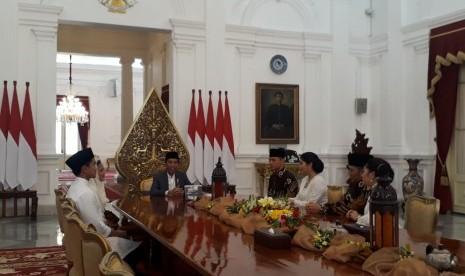 Pengamat Sebut, Demokrat dan PAN Diprediksi Merapat ke Jokowi