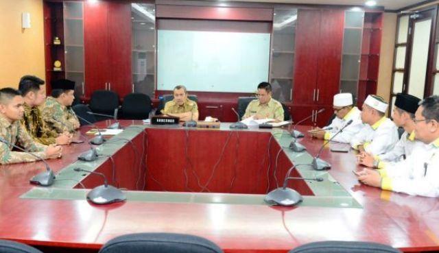 Gubernur Gemakan Gerakan Riau Berzakat