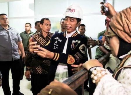 Jokowi Tak Lupa Jasa Ahok di Proyek MRT