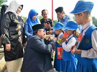 Hardiknas di Padang Ditandai Launching Gernas Baku