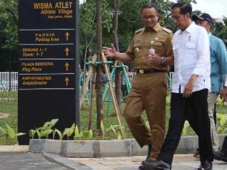 Jokowi dan Anies Bahas Rencana Balap Mobil Listrik Formula E