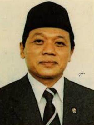Harmoko, Mantan Menteri Penerangan dan Ketua PWI Wafat