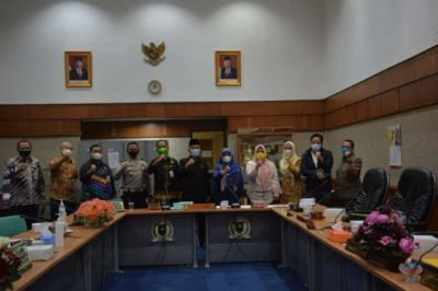 Pansus Perubahan Perda Pajak DPRD Riau Gelar Rapat Kerja Bersama Mitra Kerja
